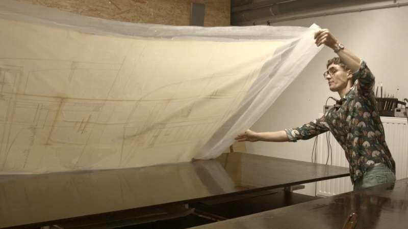 """Extrait du film """"Restaurer les grands plans de mobilier, Archives Henry van de Velde, Bruxelles 2019-2020"""" ©ENSAV-La Cambre, Bruxelles."""